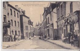 23 La Souterraine - Rue Hyacinthe Montaudon.sans édit Mais N°39. Marechal Fd à Gauche.Pli Central Sinon Bon état.daté 19 - La Souterraine