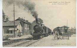 SAINT PIERRE LA COUR - La Gare - L'Arrivée Du Train - Francia