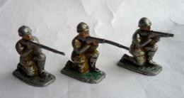 FIGURINE MARQUE INCONNUE LOT 3 Soldats  TITEURS FUSILS A GENOUX - ALUMINIUM SOLDAT Pas QUIRALU - Quiralu