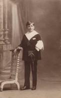Carte Photo Originale Communion - Communiant En Marin, Studio Bill's Photo Bordeaux & Nantes Vers 1920/30 - Personnes Anonymes