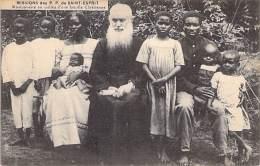 AFRIQUE NOIRE - MISSIONS AFRICAINES : Missions Des P.P. DU ST ESPRIT - Missionnaires Au Milieu D'une Famille Chriétienne - Missions