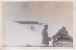 Foto Deutsche Soldaten Auf Dem Schiessstand - Winter -  2. WK - 9*6 Cm (25486) - Krieg, Militär