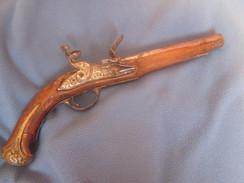 Pistolet Louis XV à Restaurer - Armes Neutralisées