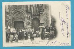 CPA Métier Marchands Ambulants Marché Portail De L'Eglise Romane XIVè Siècle - BELLENAVES 03 - France