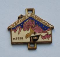 Vintage Badge CAPAMMA MARMOLADA 3250m. - Alpinism, Mountaineering