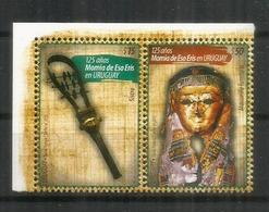 ISIS, Reine Et Une Déesse De L'Égypte Antique.  Série 2 Timbres Neufs ** Se-tenant  De L'URUGUAY. - Archéologie