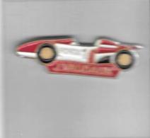 Pin´s  Sport  Automobile  Rallye  Honda 1  Rougfe  Et  Blanche  Avec  Le  Pilote  J . VAUDAUX - Honda