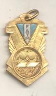 FATM FEDERACION ARGENTINA DE TENIS DE MESA PING PONG CAMPEONATO PREPARACION PRIMERA DIVISION PRIMER PREMIO AÑO 1958 - Jetons En Medailles