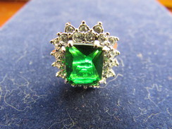 Les Plus Beaux Bijoux Du XXème Siècle. BAGUE Marlène DIETRICH - Ring