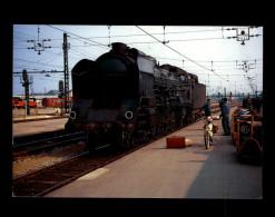 37 - TOURS - Gare - Train - Locomotive - Tours