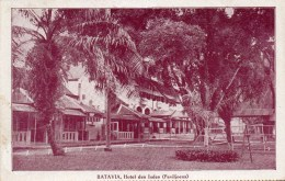 BATAVIA)  -JAVA-  HOTEL DES INDES -( PAVILLONS)   PHOTO COULEUR  AVEC LISERE -ECRITE  TBE - Hoteles & Restaurantes