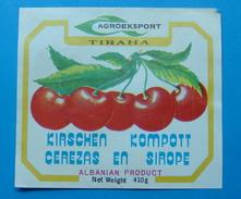 ALBANIA ETIQUETE KIRSCHEN KOMPOTT - CEREZAS EN SIROPE 410 GR. 1960-70, AGROEXPORT - TIRANA - Obst Und Gemüse