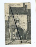 CPA   - La Haute Saône Historique -  Pesmes  -  Ancienne Porte Gallo Romaine - Pesmes