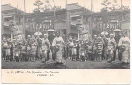 AU JAPON - Fête Japonaise - Une Procession D'Enfants - Non Classés