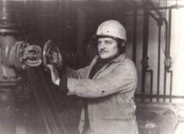 Photo Originale Ouvrier D´Usine - Portrait D´un Camarade Travailleur D´Allemagne De L´est Dans Les Années 70/80 - Professions