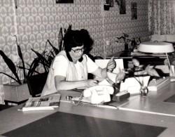 Photo Originale Secrétaire D´Usine - Portrait D´une Secrétaire D´Allemagne De L´est - Papier & Mobilier Vintage 70's - Métiers