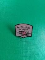 Pin´s Charcuterie Le Badou De Fassier - Food