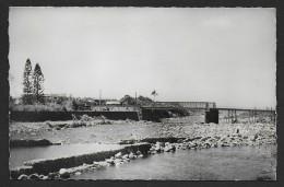 SAINT BENOIT - Le Pont Sur La Rivière Des Marsouins -- Format Cpa - 2 Scans - Saint Benoît