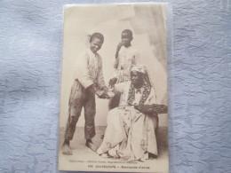 GUADELOUPE . MARCHANDE D ACRAS  . CACHET BUREAU NUMERO 2 - Postcards