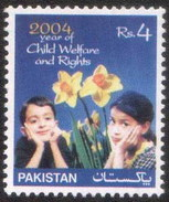 2004 Pakistan The Year Of Child Rights, Flower (1v) MNH (PK-75)