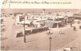 Trouville - La Reine Des Plages - La Plage, Ses Bains Et Ses Parasols - Trouville