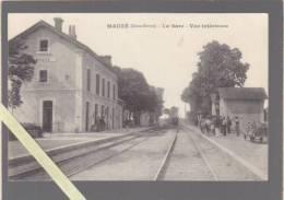 Mauze - La Gare, Le Train Arrive - Vue Interieure - Mauze Sur Le Mignon
