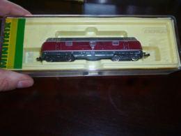 CB6 Locomotive Diesel  221 - Minitrix 51 2061 00 Toujours Dans Sa Boite  - No Marklin - Other Collections