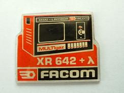 PIN'S FACOM - ANALYSEUR DE GAZ D'ECHAPPEMENT XR 642 - Merken