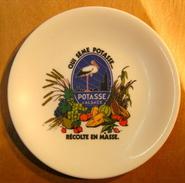 ASSIETTE QUI SEME POTASSE RECOLTE EN MASSE POTASSE D'ALSACE / MELAMINE GARANTIE 811 TEFAL 12 MADE IN FRANCE - Plates