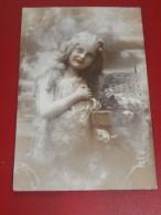 FANTAISIES - ENFANTS -  Jolie Fillette Aux Longs Cheveux -  1913 - Portraits