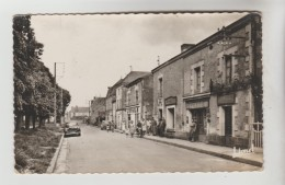 CPSM SAINT MARTIN DE SANZAY (Deux Sèvres) - Rue Principale - France