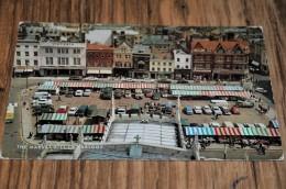 7-The Market Hill Of Cambridge / Bus / Auto / Car / Coche / Voiture - Cambridge