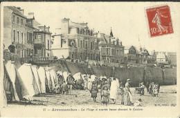 Arromanches La Plage A Maree Basse Devant Le Casino - Arromanches