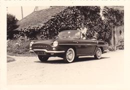 PHOTO Originale 130 Mm X 90 Mm AUTOMOBILE RENAULT CARAVELLE Années 1960 - Serait Située à Menetou Salon Dans Le Cher - Foto's