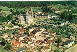 La Chapelle-Montligeon.. Belle Vue Aérienne Du Village L'Eglise Notre-Dame De Montligeon - Sonstige Gemeinden