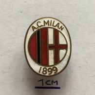 Badge (Pin) ZN003647 - Football (Soccer / Calcio) Italy Milan - Football
