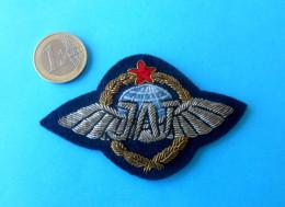 JAT ( Yugoslav Airlines ) - Original Vintage Pilot Wings Badge  *** Airways Airline Air Company Pilote - Crew Badges