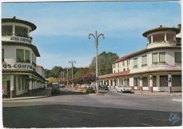Dax: SIMCA 8, ARONDE & ARIANE - 'Acqs-Coiffure' - La Nouvelle Avenue Et L'Hotel 'Graciet'  - (France) - Passenger Cars