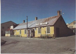 Falkland Islands Globe Hotel Stanley  Postcard Unused (33333) - Falkland