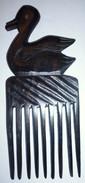 Peigne En Ebene Africain Représentant Un Canard  TOGO AFRIQUE Années 1970 - Art Africain