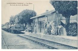 JAZENNES TENZAC--LA GARE ARRIVËE DU TRAIN DE ROYAN - France
