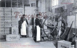 (51) Marne - Epernay - Travail Du Vin De Champagne - Marquage Des Caissses - 2 SCANS - Epernay