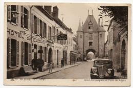VILLENEUVE SUR YONNE--1947--L'Hôtel Du Dauphin Et La Porte De Joigny (petite Animation ,voiture) N°31 éd CAP--cachet - Villeneuve-sur-Yonne