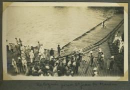 (Guyane) St-Laurent-du-Maroni. Arrivée D´un Convoi De Transportés, Par Le Navire-prison Martinière. 1927-30. Relégués. - Lieux