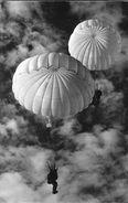 Parachutisme - 2 Parachutes (militaires) - Paracadutismo