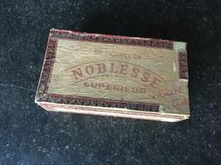 Boite à Cigares Noblesse Odon Walrand Avec Reste Bandelette Taxe - Boites à Tabac Vides