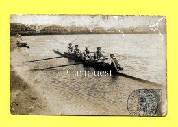 CPA - AVIRON 4 Rameurs Avec Barreur - ( ANGERS DOUTRE 1906 )  Photographie ( Pont Construction) - Aviron