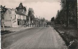 JUZIERS - N° 2 - ROUTE DE PARIS (POMPE A ESSENCE) - Other Municipalities