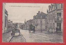 Fontenay Le Comte  --  La Rue De La République - Fontenay Le Comte