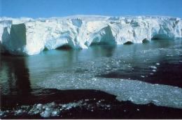 Iceberg En Terre Adélie - TAAF : Terres Australes Antarctiques Françaises